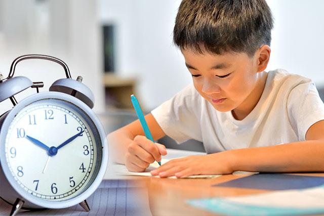 時間を計って勉強するイメージ